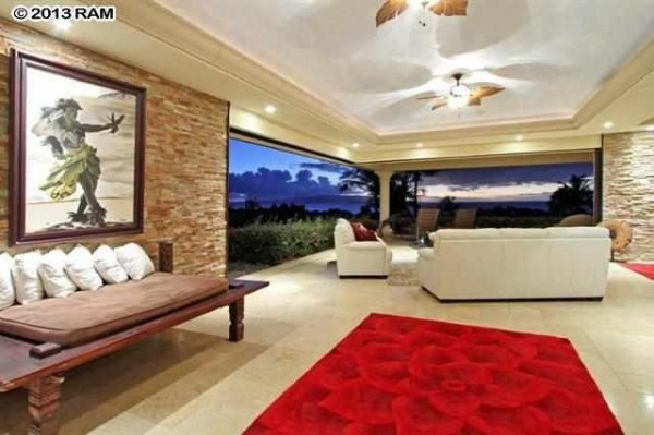 Ualei_livingroom