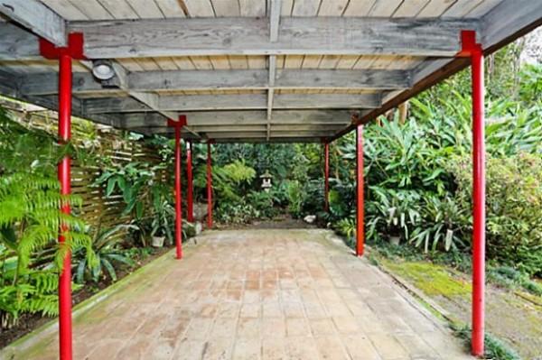 Zen Entryway to Manoa Mid Century Modern Home