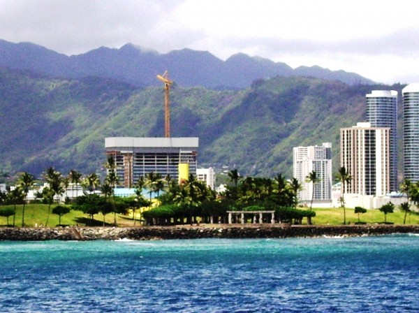 View from Kaka'ako Waterfront Park to the serene green mountains