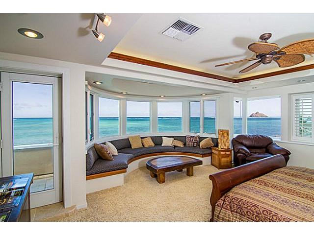 Master suite with Mokulua Island Views