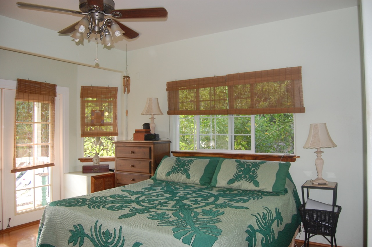 Olohena master bedroom