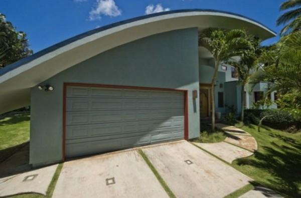 Wave House Garage