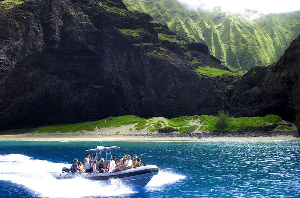 Na Pali Boat