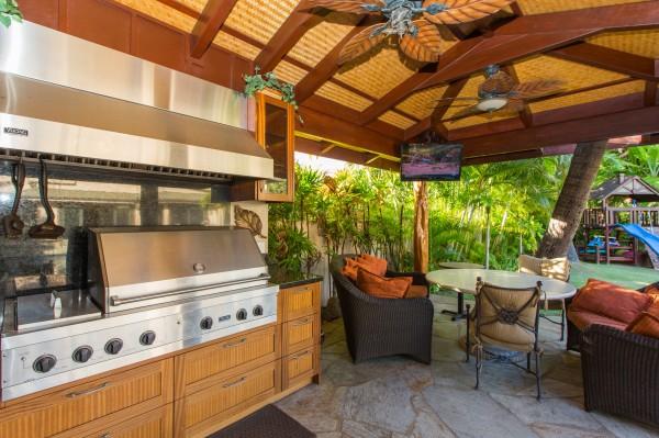 Outdoor Cabana in Portlock