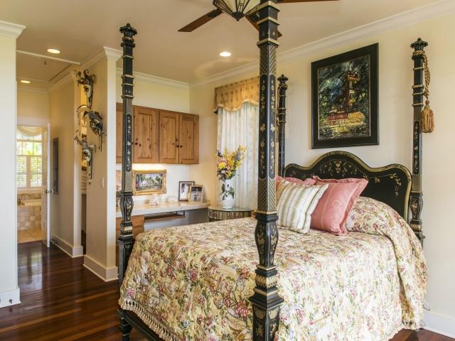 1152275_Bedroom-Suite_640x480