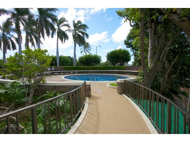 Regency At Kahala pool