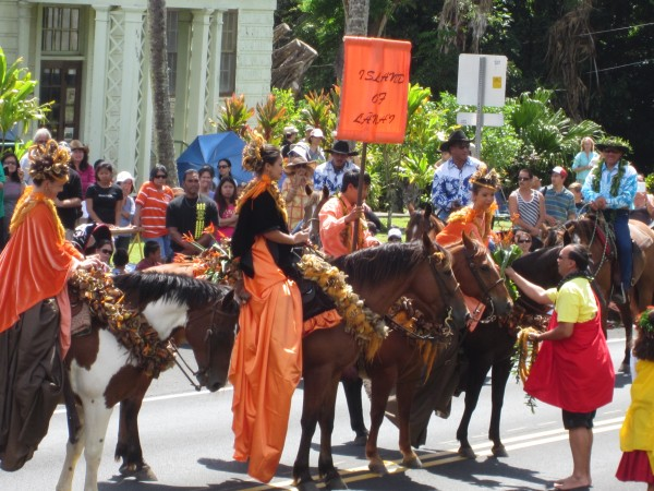 Pa'u riders in Kamehameha Day parade