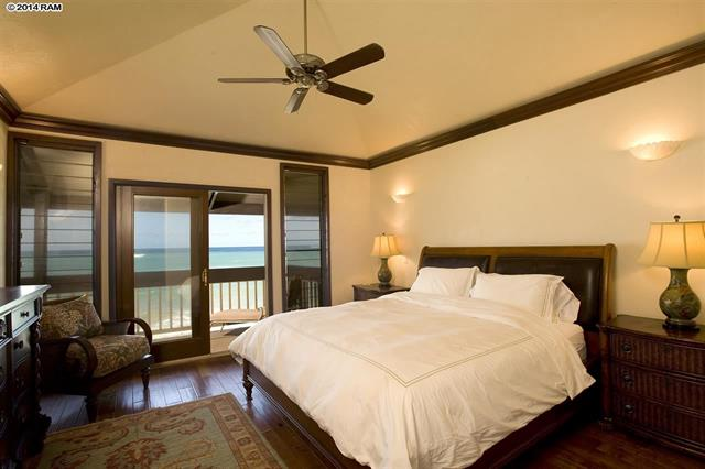 Oceanfront master bedroom with ensuite bath.