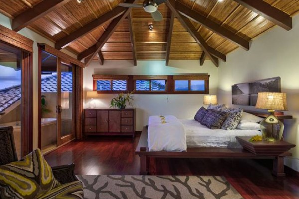 The master suite, with direct lanai access