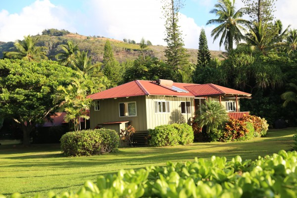 Molokai Secluded Oceanfront Retreat
