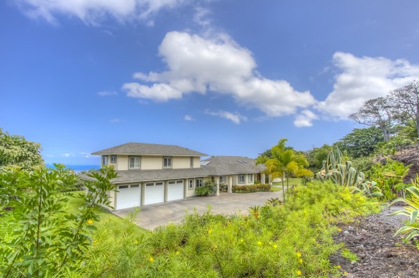 Large estate home set on 3 meticulously maintained acres
