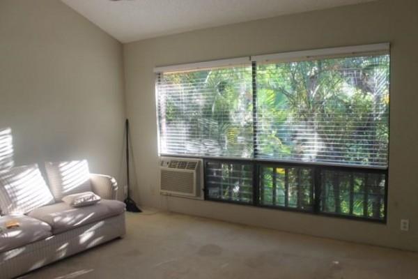 Haleakala Gardens 6H living room