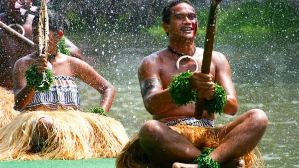 polynesiancenter2