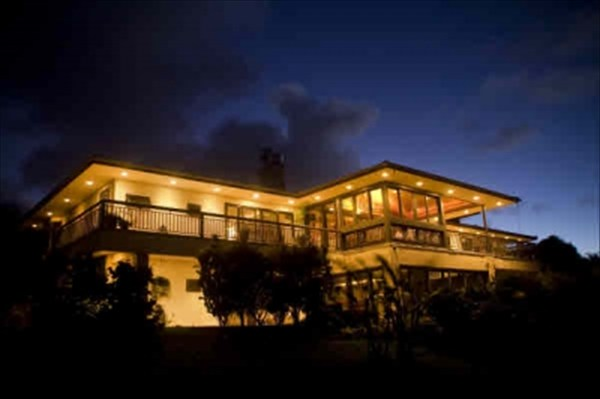 Big house on acreage Kohala