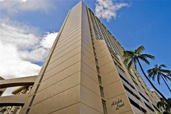 Exterior of Aloha Lani