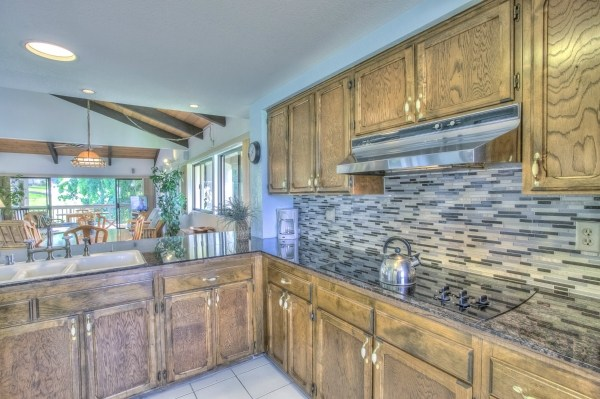 Spacious kitchen with a view!