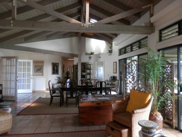 Dining: livingroom