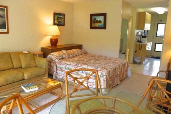 Puamala Living room