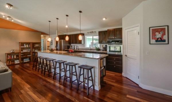 Bev MLS 282000 Kalopa 3.30.15 kitchen