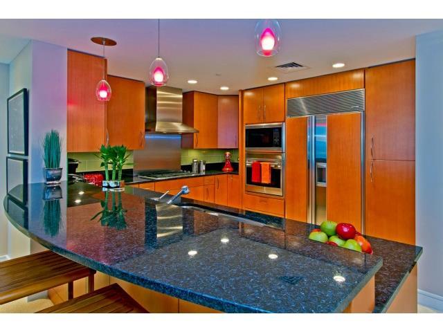 #32C Kitchen