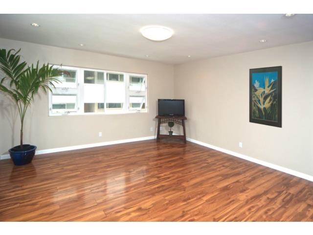 Second Unit Living room