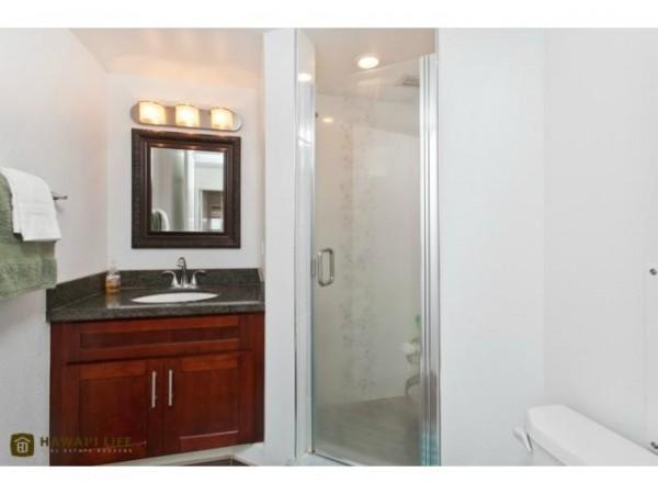 2502 Master Bathroom