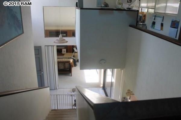 334 Hololani staircase large