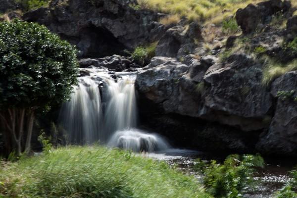 Ouli St Kanehoa stream swimming pond waterfall