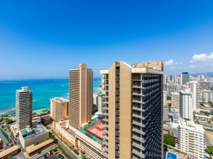 Lanai-View-of-Waikiki-Beach_800x600_2189049