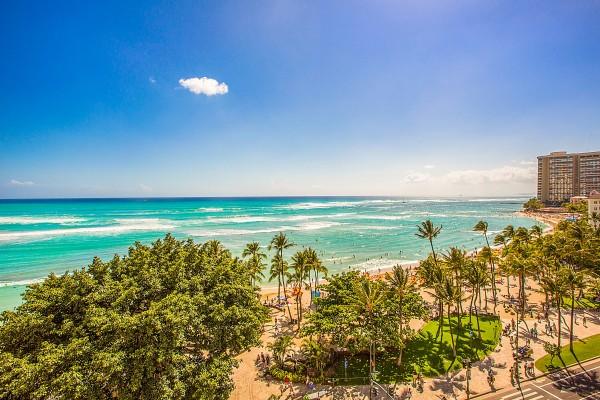 Waikiki-Beach_1800x1200_2189060