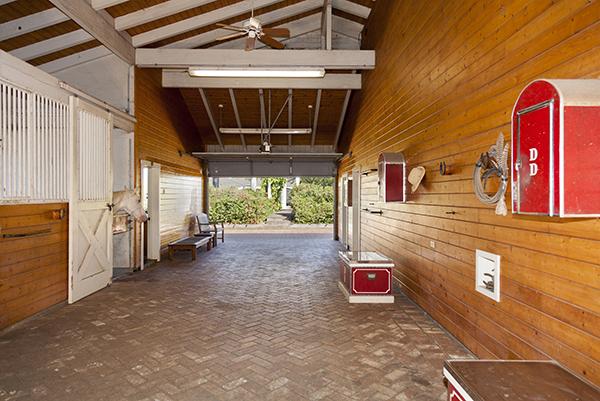 Barn at Puakea Equestrian Estate
