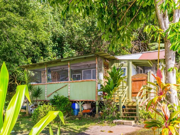 Cottage-Exterior.jpg_800x600_2219988