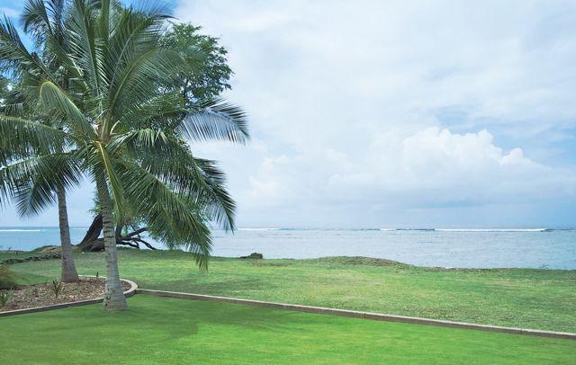 The gentle shore in Olowalu Maui