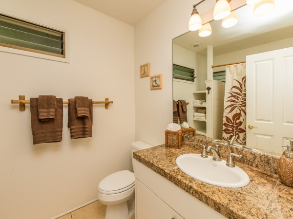 2nd-Bathroom_800x600_2273917