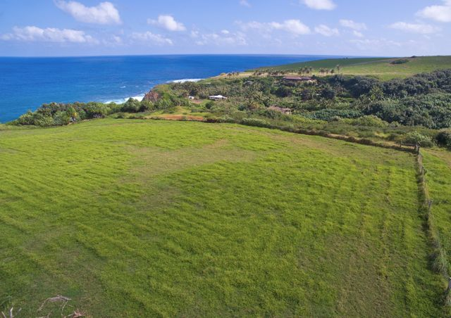 oceanfront 2 acres at 460 Hoolawa Rd. MLS#359596