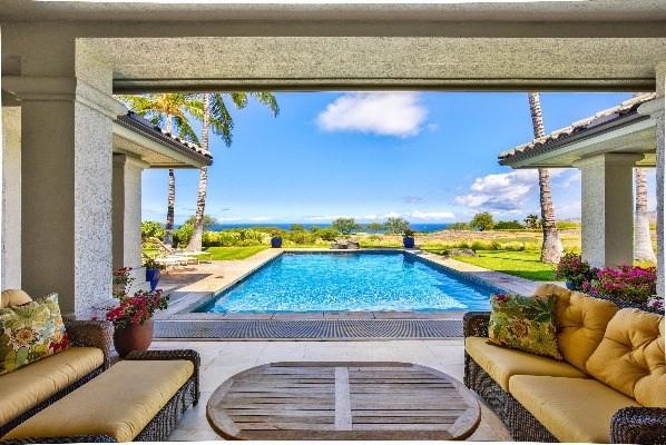 Moani Heights 4 bedroom pool