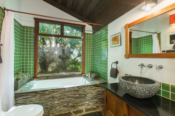 5486 Weke Road Hanalei HI-small-015-24-Bathroom-666x445-72dpi