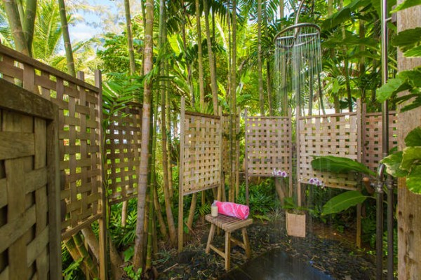 5486 Weke Road Hanalei HI-small-022-20-Outdoor Shower Area-666x444-72dpi