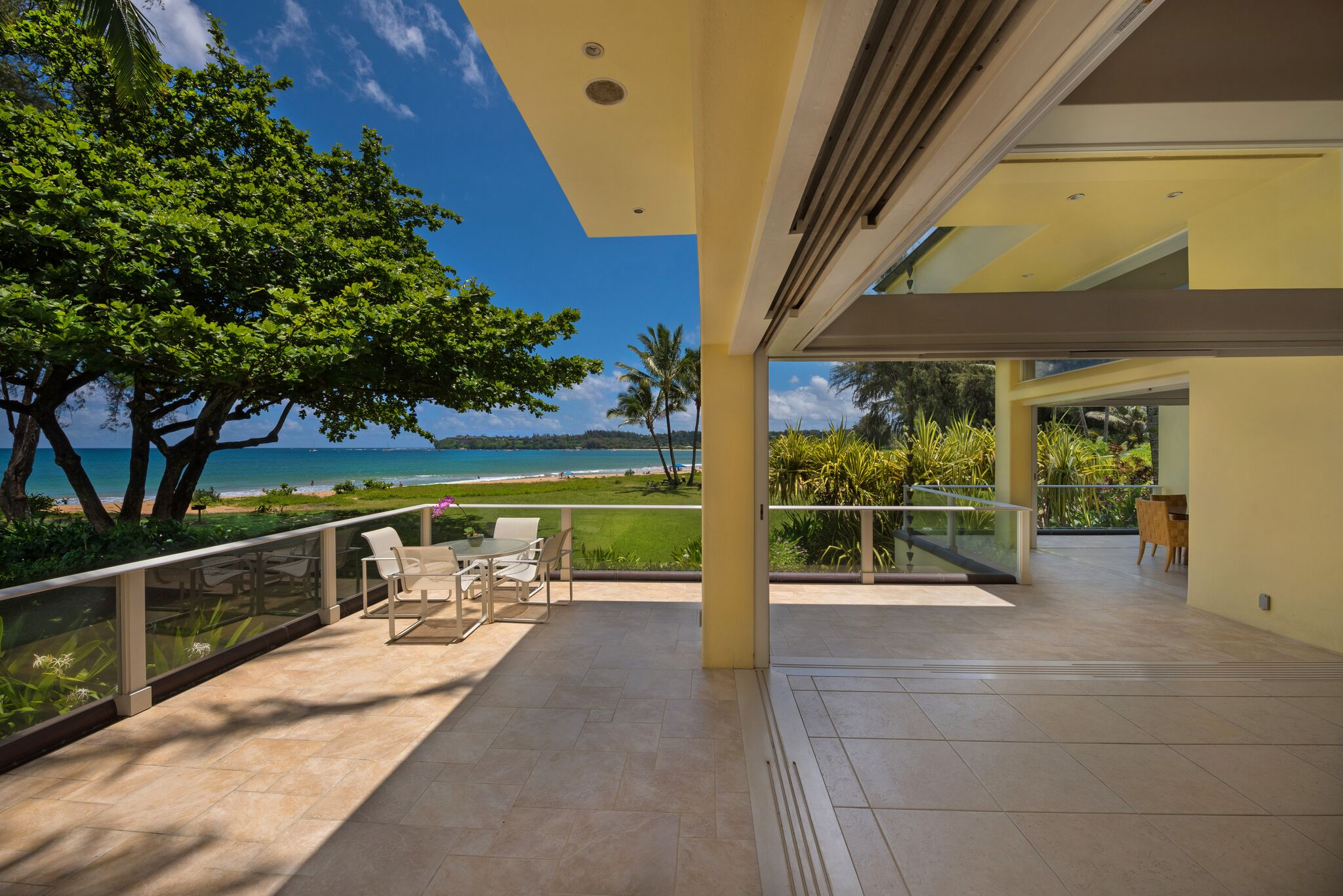 Hanalei bay front row market hawaii real estate market for Hawaii life real estate brokers