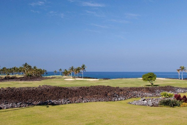 Golf and ocean view condo for sale at Halii Kai