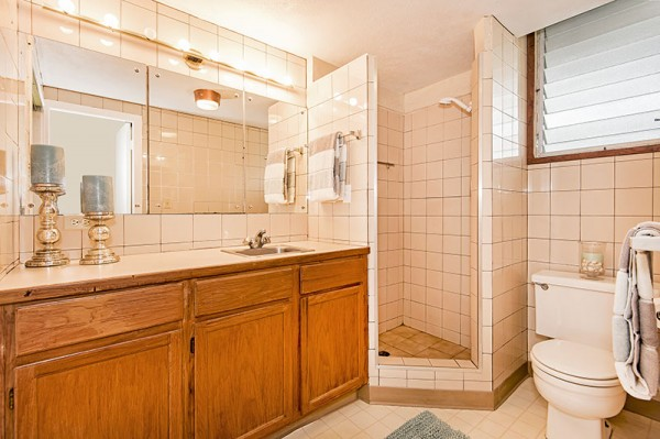 Mid-century style home with 1 bathroom