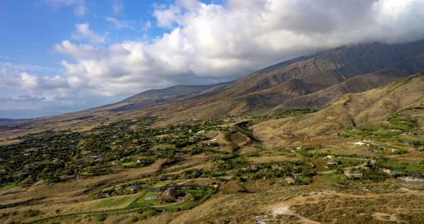 Launiupoko is located at the base of the West Maui Mountains just a few miles south of Lahaina town.