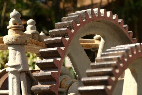 Fotosearch_k0700548_gears