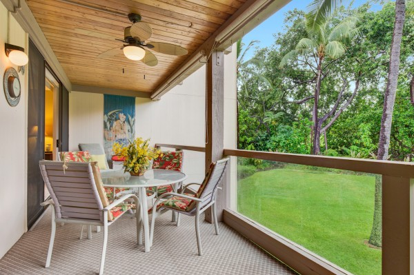 Overlook lush tropical gardens while relaxing on your private lanai at Keauhou Surf and Racquet Club.