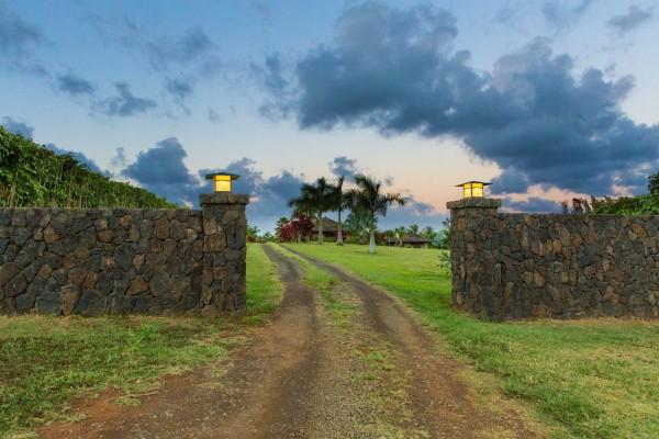4469w n Waiakalua RD Kilauea-print-067-60-Twilights39-4200x2800-300dpi