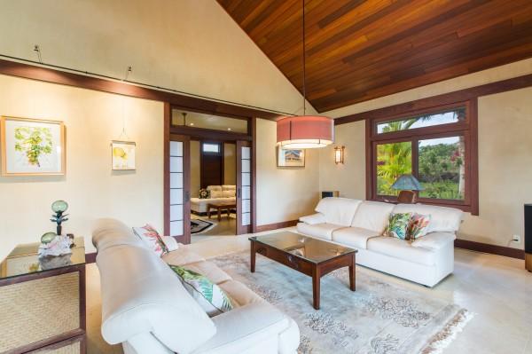 4469w n Waiakalua RD Kilauea-print-084-89-Living Room-4200x2798-300dpi