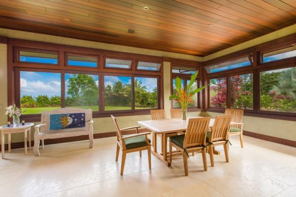4469w n Waiakalua RD Kilauea-print-096-86-dining-4200x2802-300dpi