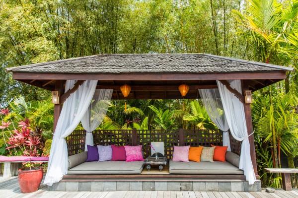 Back-Lanai-Lounge.jpg_high_2189091