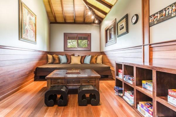 Lounge_high_2189115