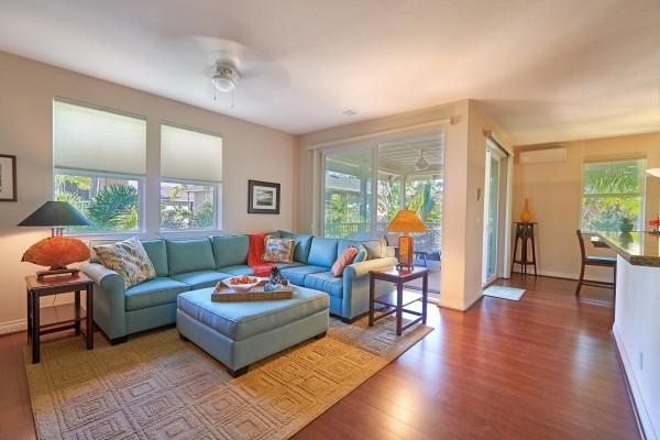 Light & Bright Indoor/Outdoor living.